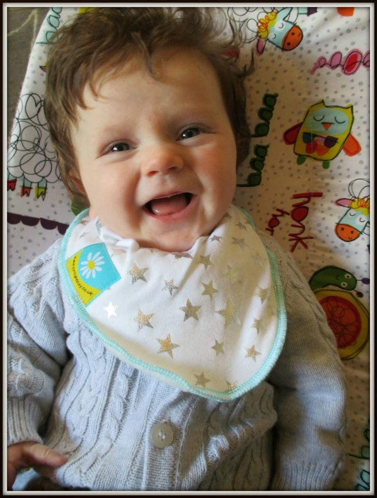 Cornish Daisy Dribble Bibs and Blanket – Review