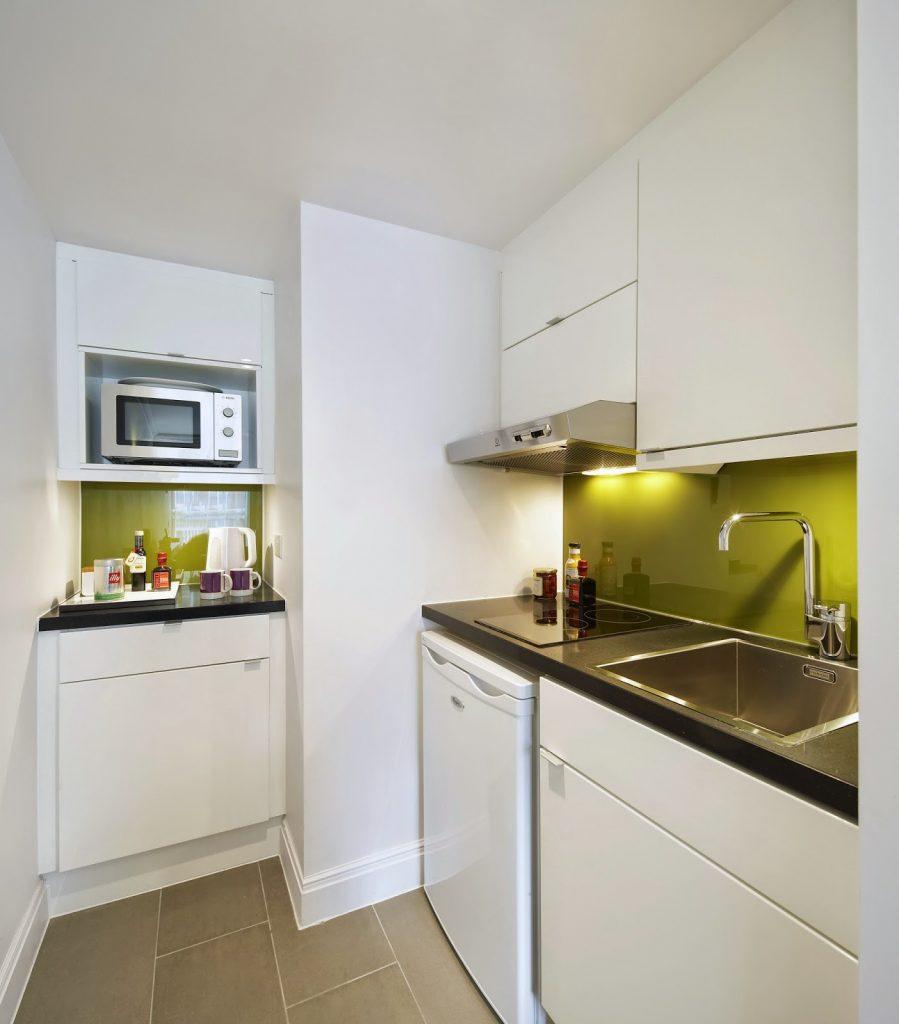 Citadines Apart'hotel - kitchen space