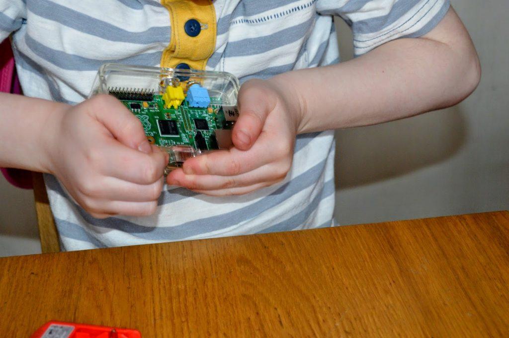 Kano - building Raspberry Pi