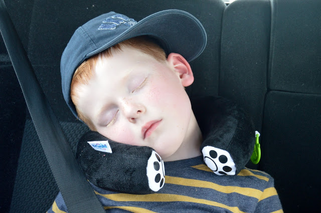 Trunki Travel Pillow - Ben sleeping in the car