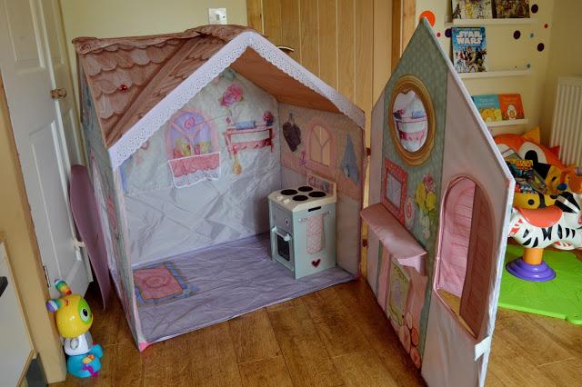 Rose Petal Cottage kitchen