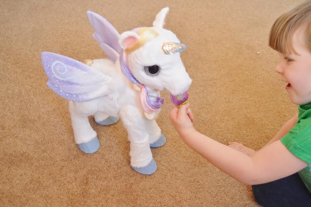 StarLily (My Magical Unicorn) - flashing horn