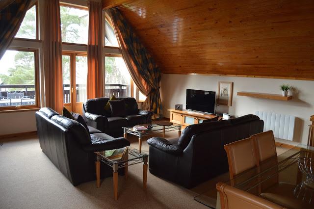 Q Lodges, Slaley Hall Hotel & Spa - Living space
