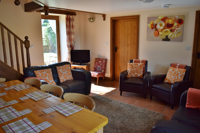 Low Moor Cottages - living room