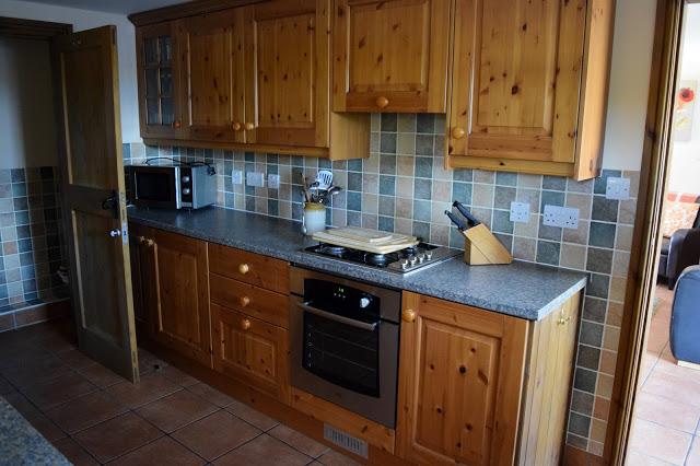 Low Moor Cottage - cottage kitchen