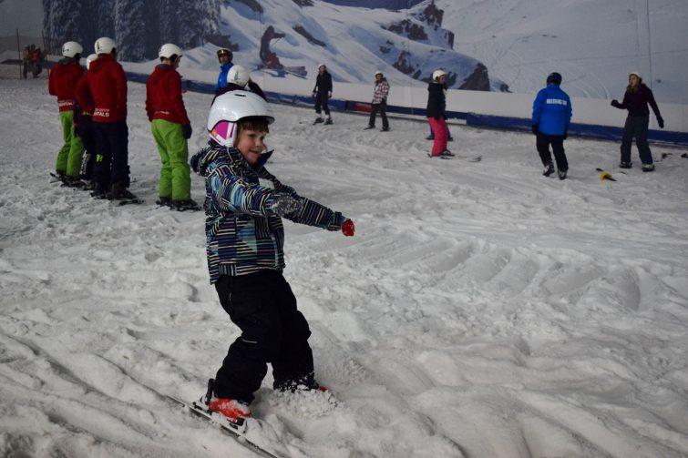 Chlo skiing