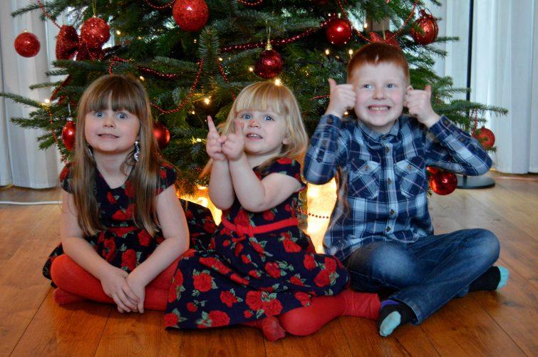 Winter Bucket List - Kids and Christmas tree