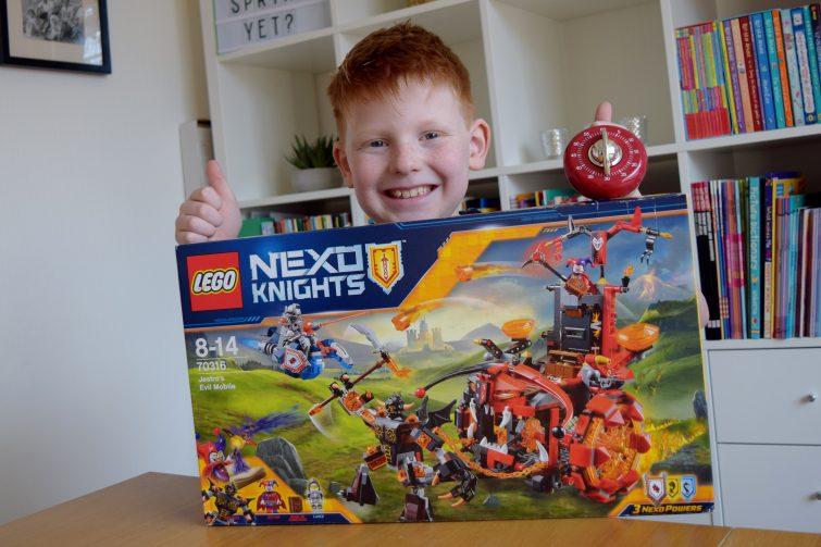 LEGO Nexo Knights - Debenhams challenge