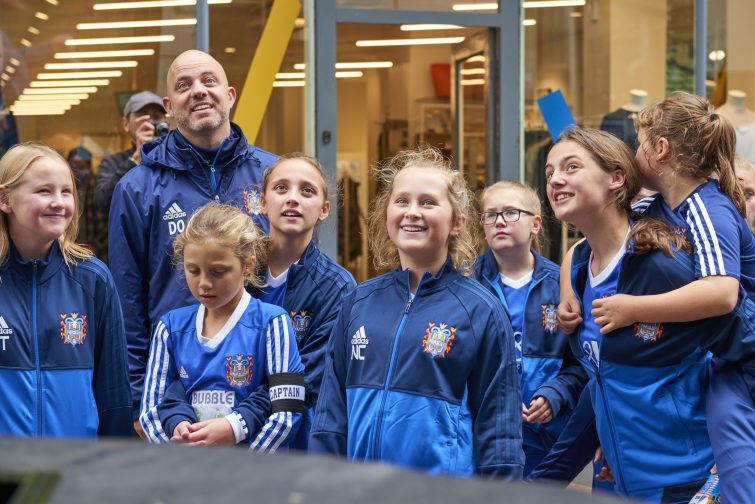 To mark the launch of the 2017 Aviva Community Fund, on Saturday, local community group, Farsley Celtic Girls FC, competed against one another in a keepy-uppy challenge on Albion Street in Leeds. The group, which benefitted from funding in 2016, put on the event alongside a large-scale football installation to demonstrate how small things like a football, can with the right perspective, make a big difference to local communities. To find out more and submit a project for funding, head to https://community-fund.aviva.co.uk/?cmp=sml-acf-influencer--12092017----