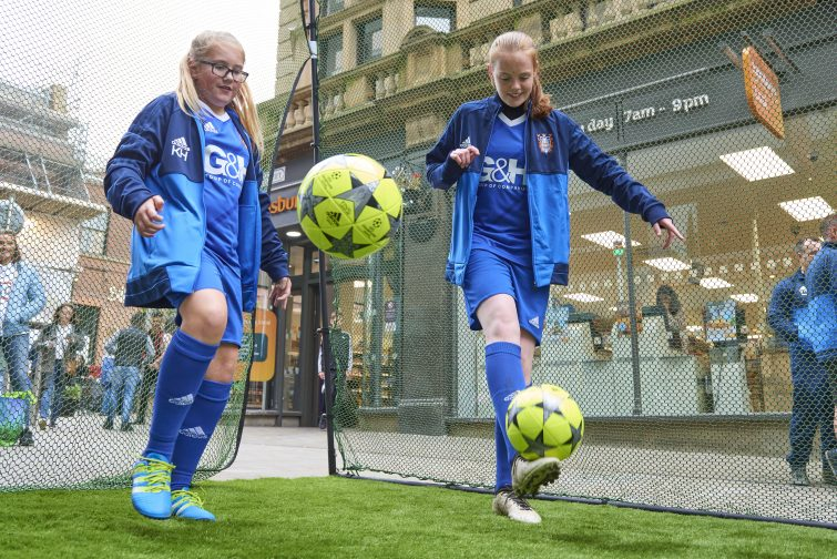 o mark the launch of the 2017 Aviva Community Fund, on Saturday, local community group, Farsley Girls FC, competed against one another in a keepy-uppy challenge on Albion Street in Leeds. The group, which benefitted from funding in 2016, put on the event alongside a large-scale football installation to demonstrate how small things like a football, can with the right perspective, make a big difference to local communities.