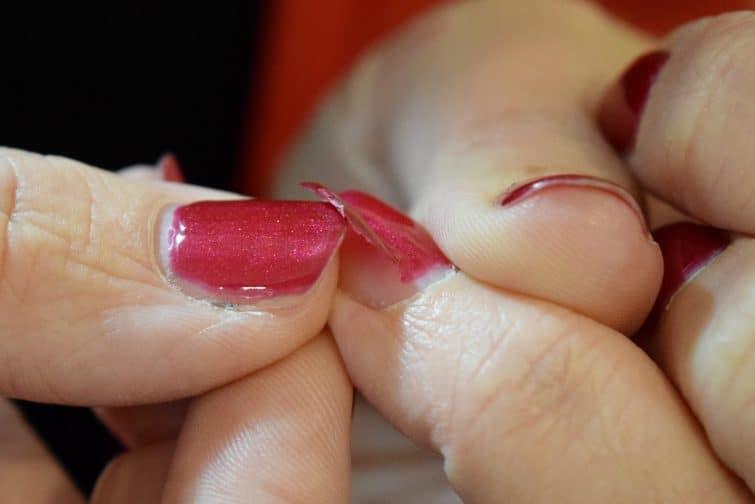 Peeling of a sensationail peel off gel maincure